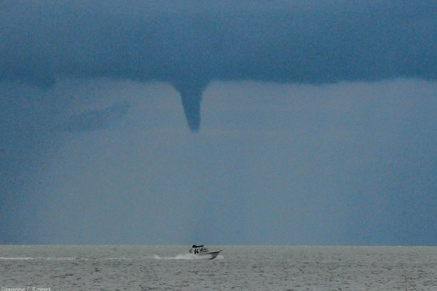 Waterspout?  8975 (1 of 1)